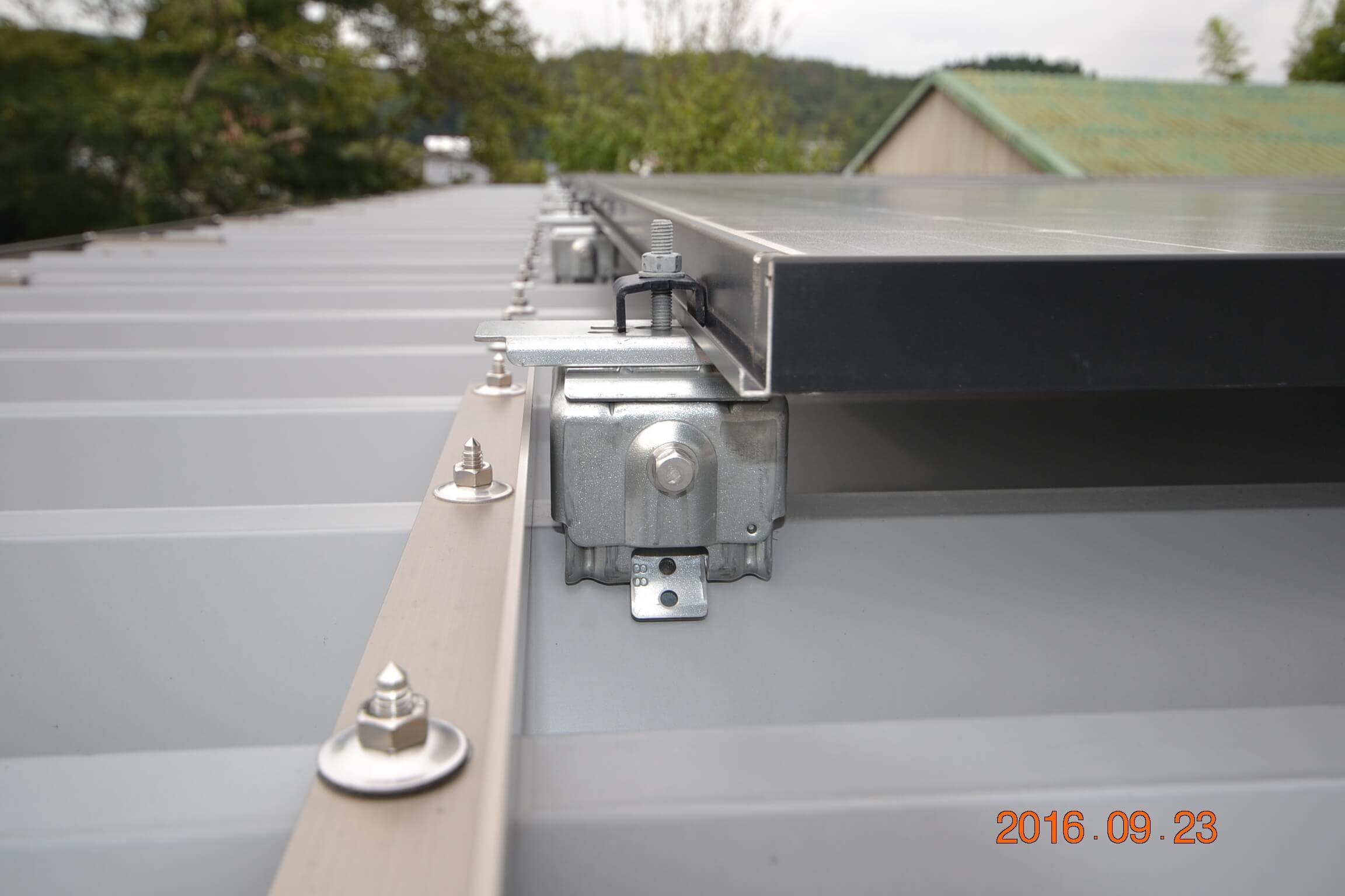 セッパン屋根専用金具です