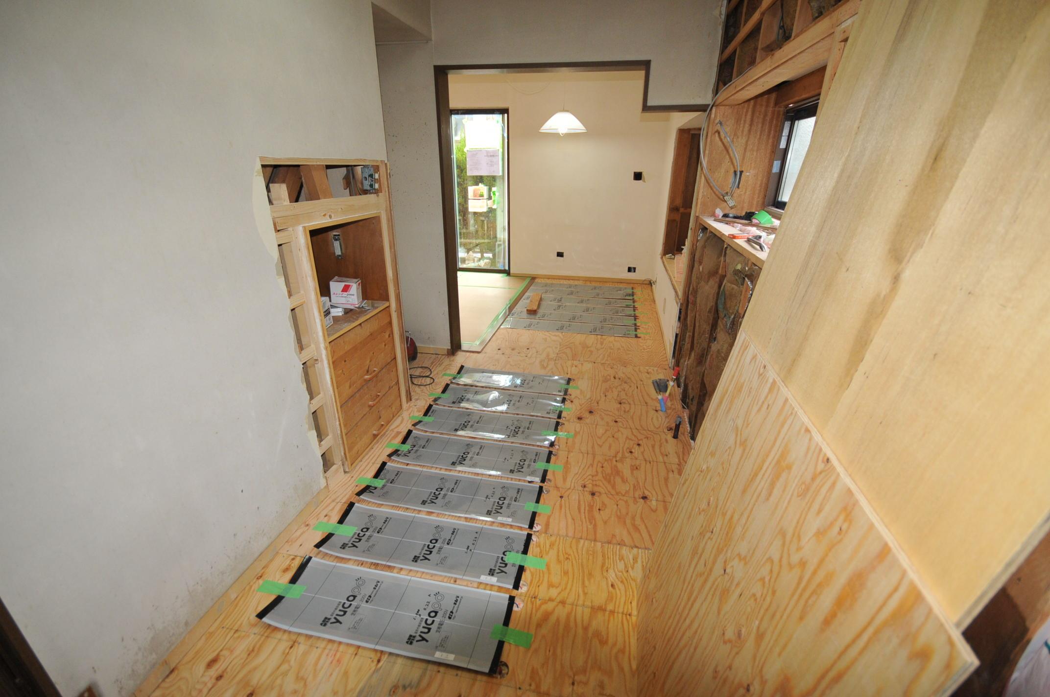 台所の床暖房シート