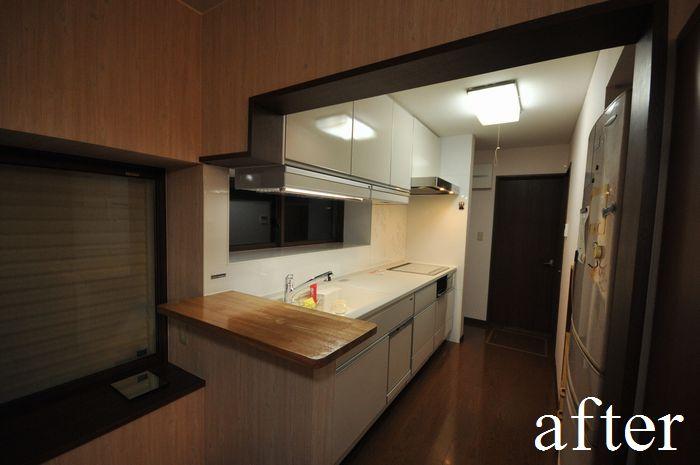 キッチン床にも、床暖房シートを敷き、サッシも交換しました。